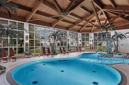 Single mit Kind Aktivurlaub Reith Kitzbühel Pool Hotel Lisi