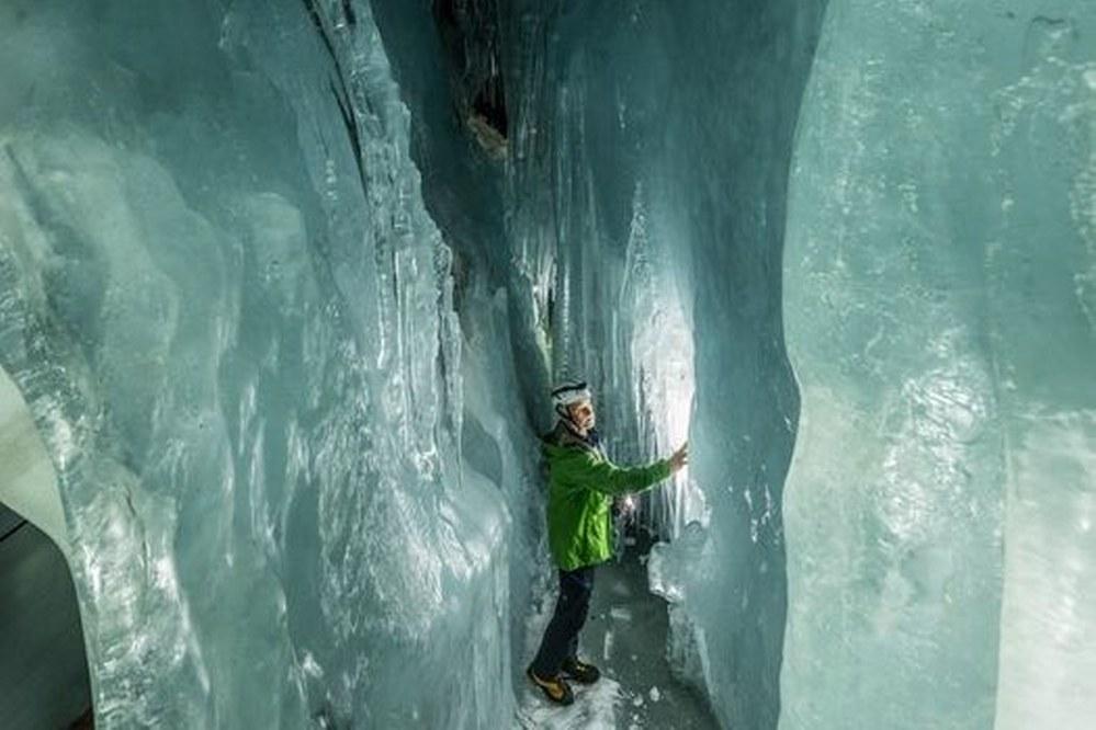 Eispalast am Hintertuxer Gletscher